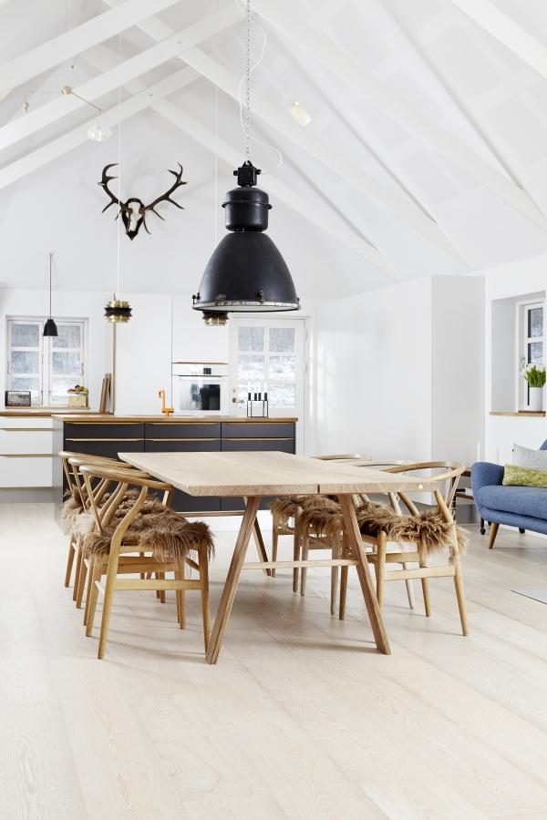 Plankebord i eg eller valnød - Træfolk