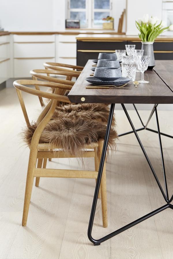 Valnød Plankebord med stålben