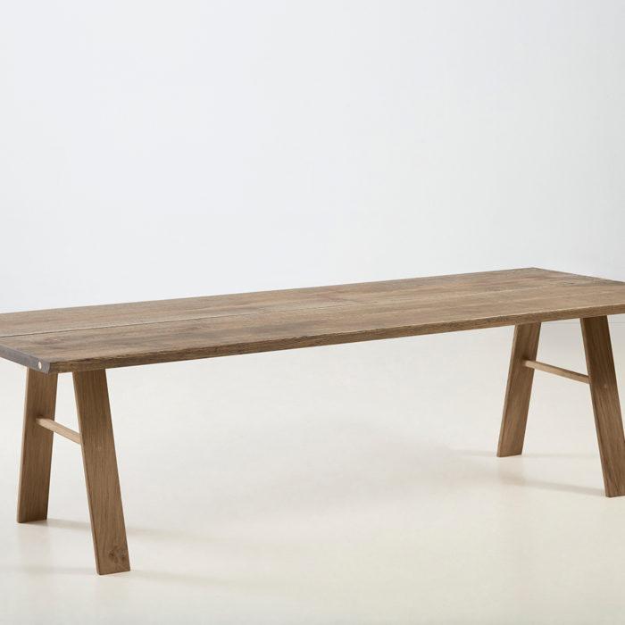 Træfolk plankebord model Folke i sort olieret egetræ