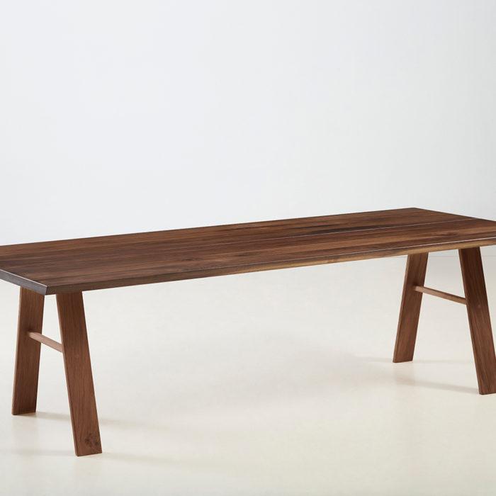 Træfolk plankebord model Folke i valnød