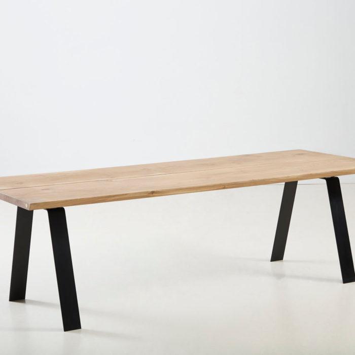 Træfolk plankebord model Heimdal i lys olieret egetræ