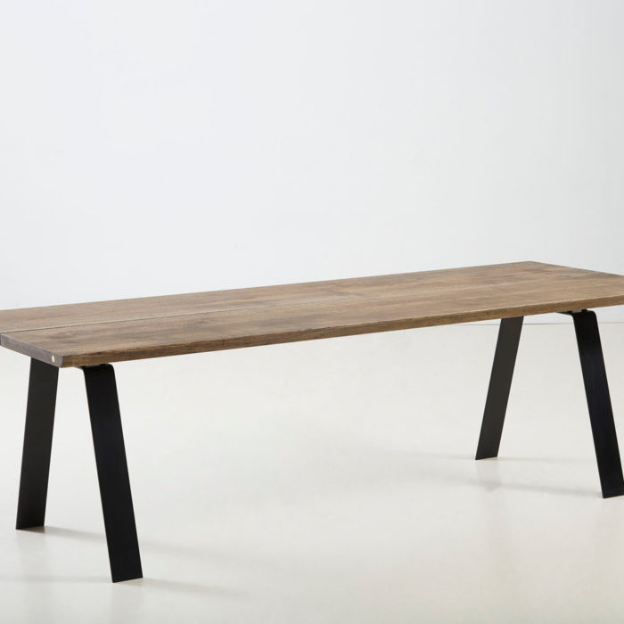 Træfolk plankebord model Heimdal i sort olieret egetræ