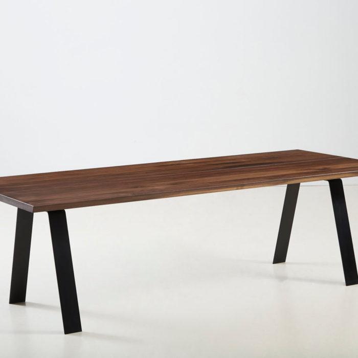 Træfolk plankebord model Heimdal i Valnød