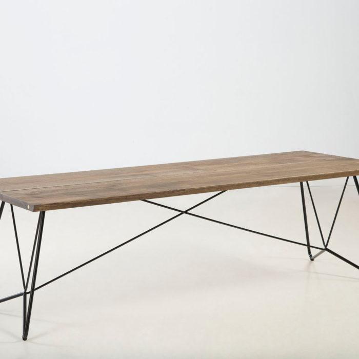 Træfolk plankebord model Nessa i sort olieret egetræ