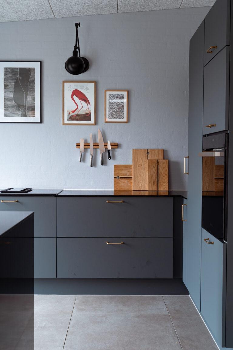 Unik knivmagnet i egetræ i ægte dansk design fra Træfolk