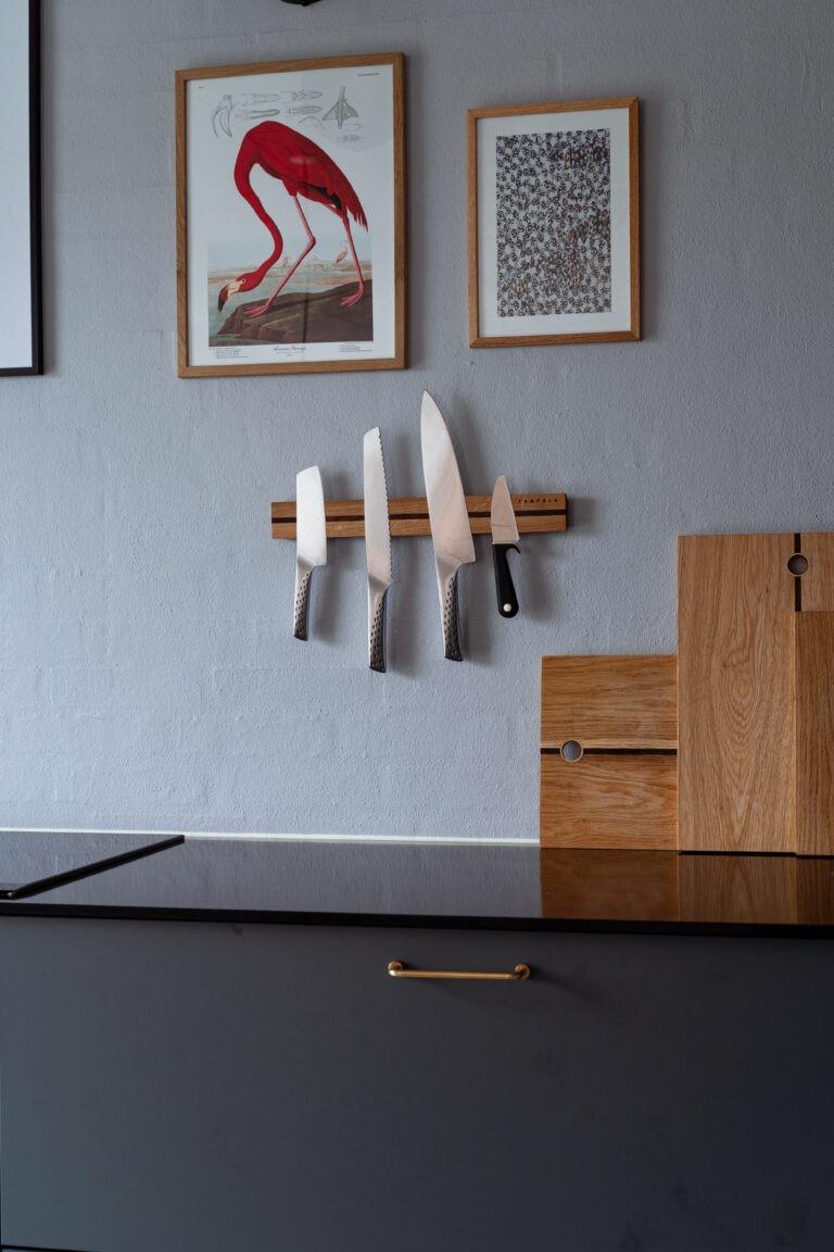 Knivmagnet i egetræ i ægte dansk design fra Træfolk