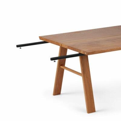 Sort udtræksskinne til plankeborde fra Træfolk